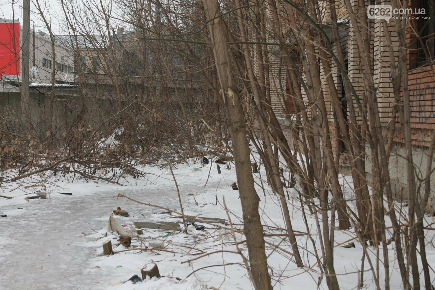 Вход в недострой в центре Славянска планируют заложить кирпичом , фото-4