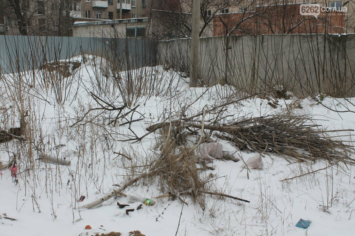 Вход в недострой в центре Славянска планируют заложить кирпичом , фото-6