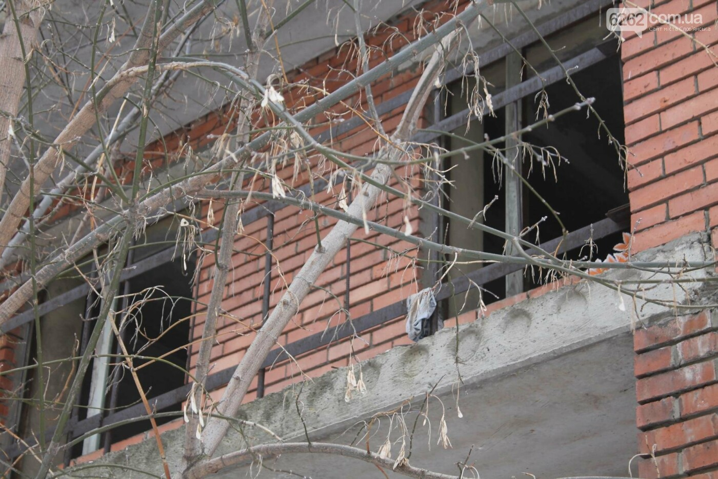 Вход в недострой в центре Славянска планируют заложить кирпичом , фото-7