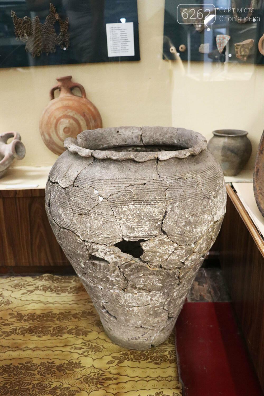 Знаряддя Палеоліту та язичницькі амулети: унікальна виставка у музеї Слов'янська, фото-32