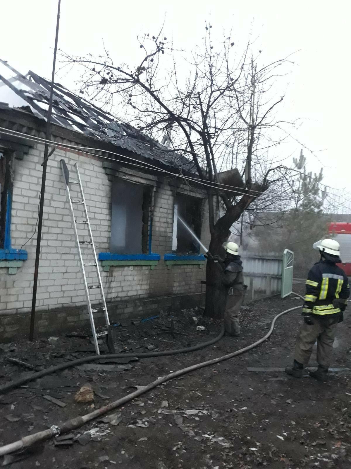 В Славянском районе горел нежилой дом (фотофакт) , фото-2