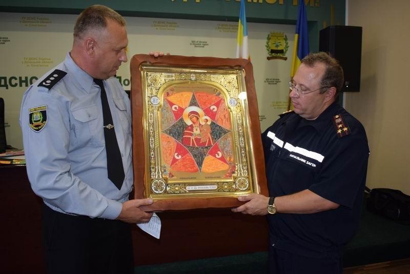 В Славянске поздравляли спасателей, фото-1