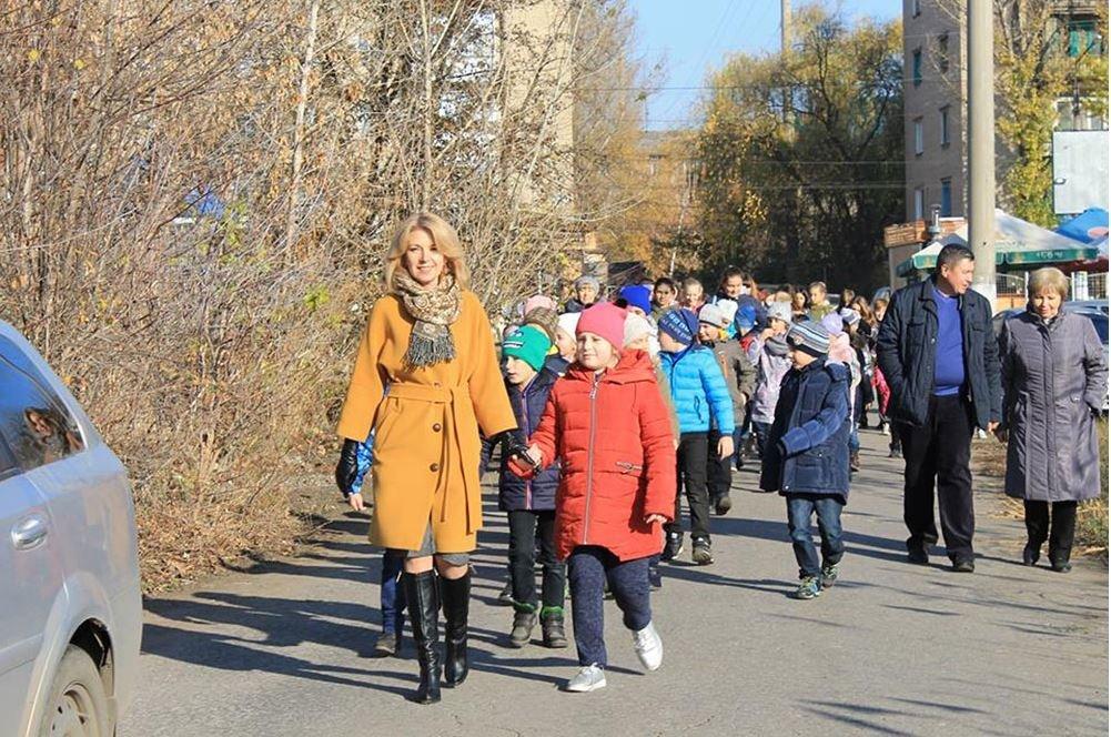 В Славянске в озеро Шелковичное выпустили рыбу, фото-2