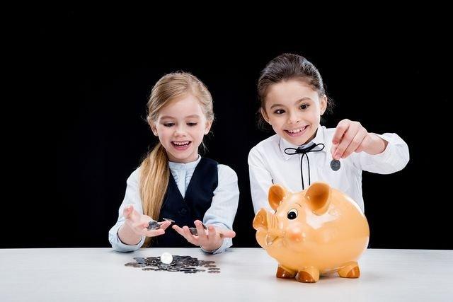 С 1 сентября в школах будут изучать финансовую грамотность, фото-1