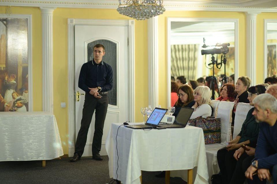 В Донецької області  відбулася науково-практична конференція «Клінічна неврологія та нейрохірургія- нові аспекти в діагностиці та лікуванні», фото-3