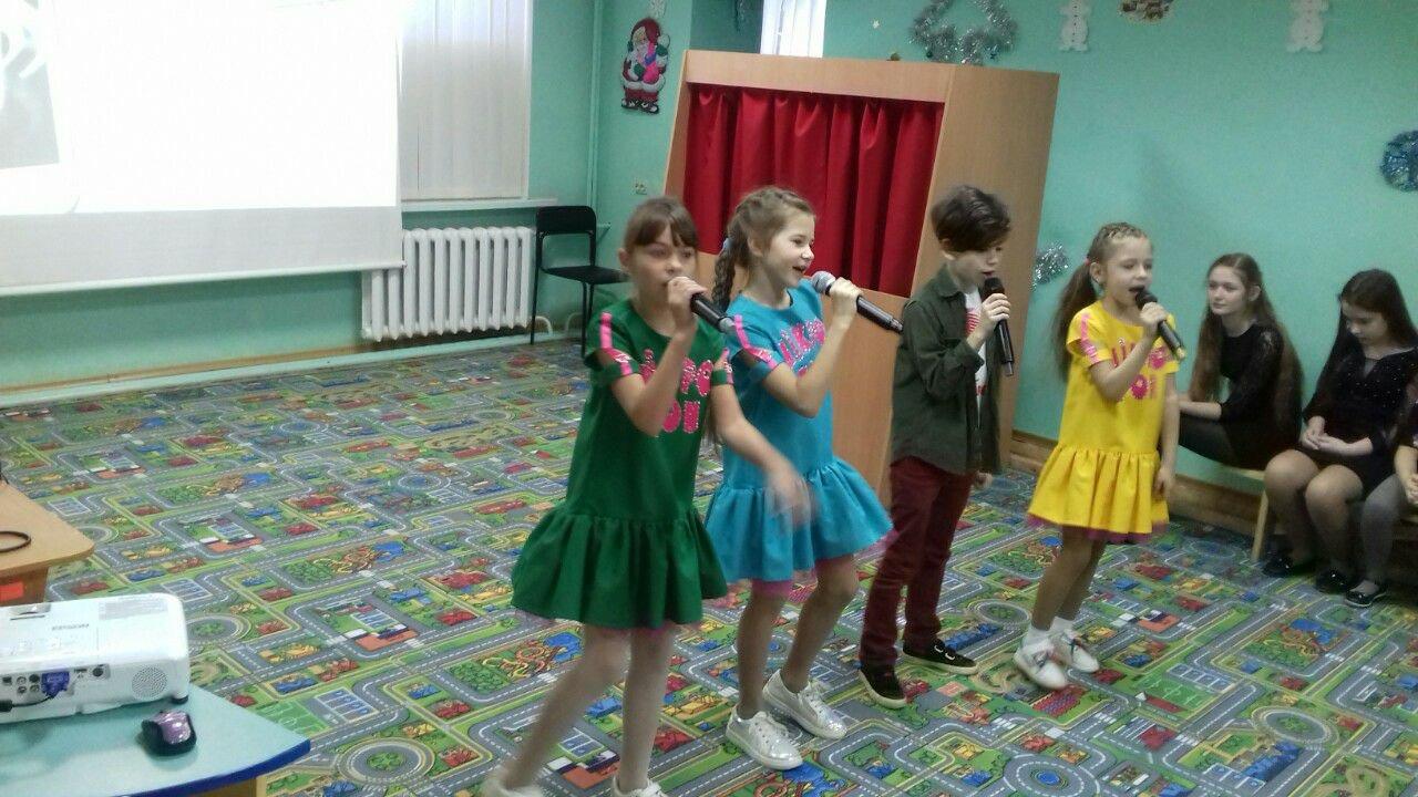 Даруйте тепло своїх сердець. У Слов'янську дітям з інвалідністю влаштували концерт, фото-4