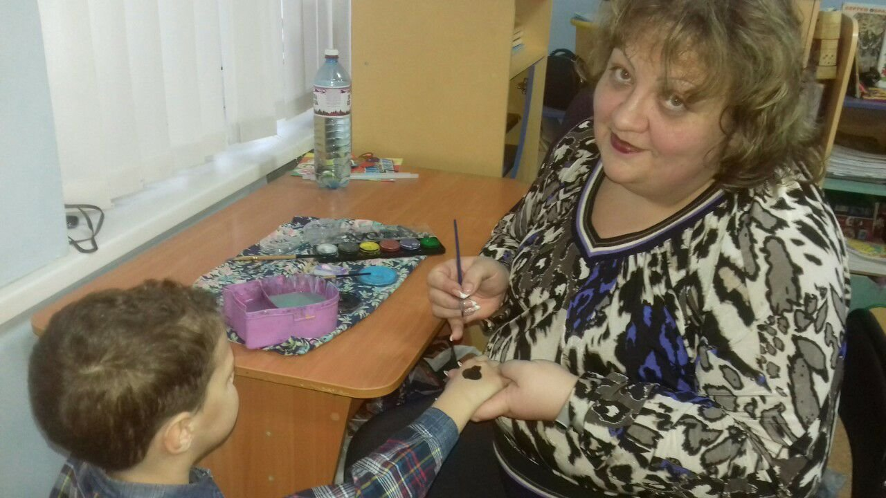 Даруйте тепло своїх сердець. У Слов'янську дітям з інвалідністю влаштували концерт, фото-1