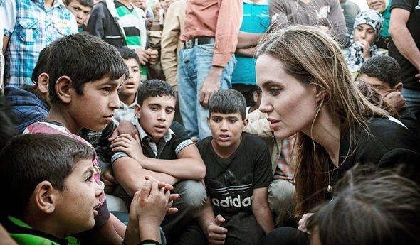 Що спільного у Анджеліни Джолі, Орландо Блума та Віталія Дейнеги ? Волонтери, яких знає світ, фото-1