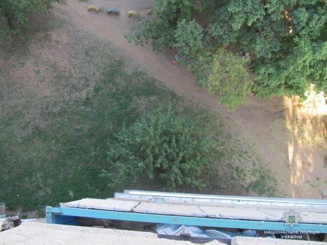 Крадій, схеми на масках та наркопритон: що сталося у Слов'янську за тиждень, фото-5