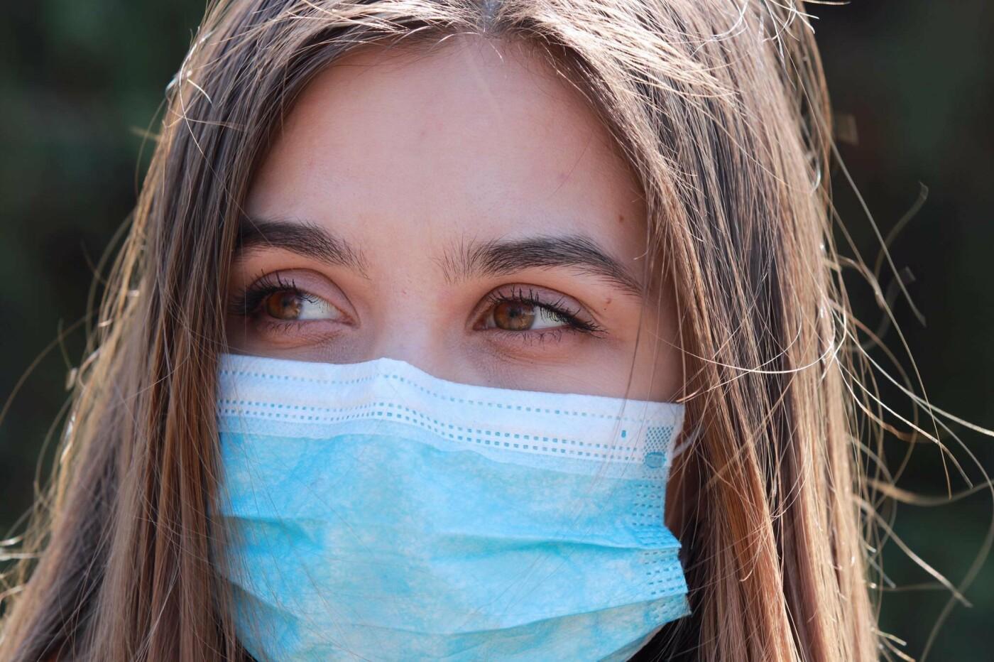 Мешканці Слов'янська у масках. Фото з соцмереж, фото-1