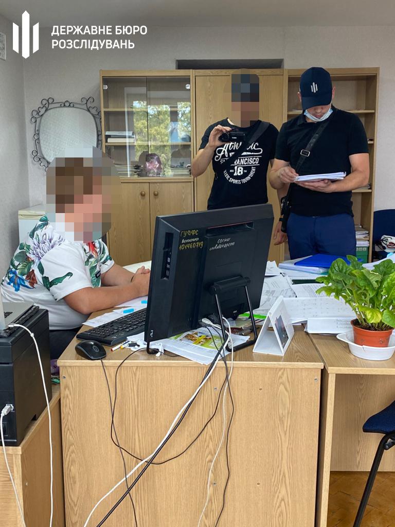 У Слов'янсько-Лиманському управлінні податкової керівницю спіймали на хабарі, фото-1