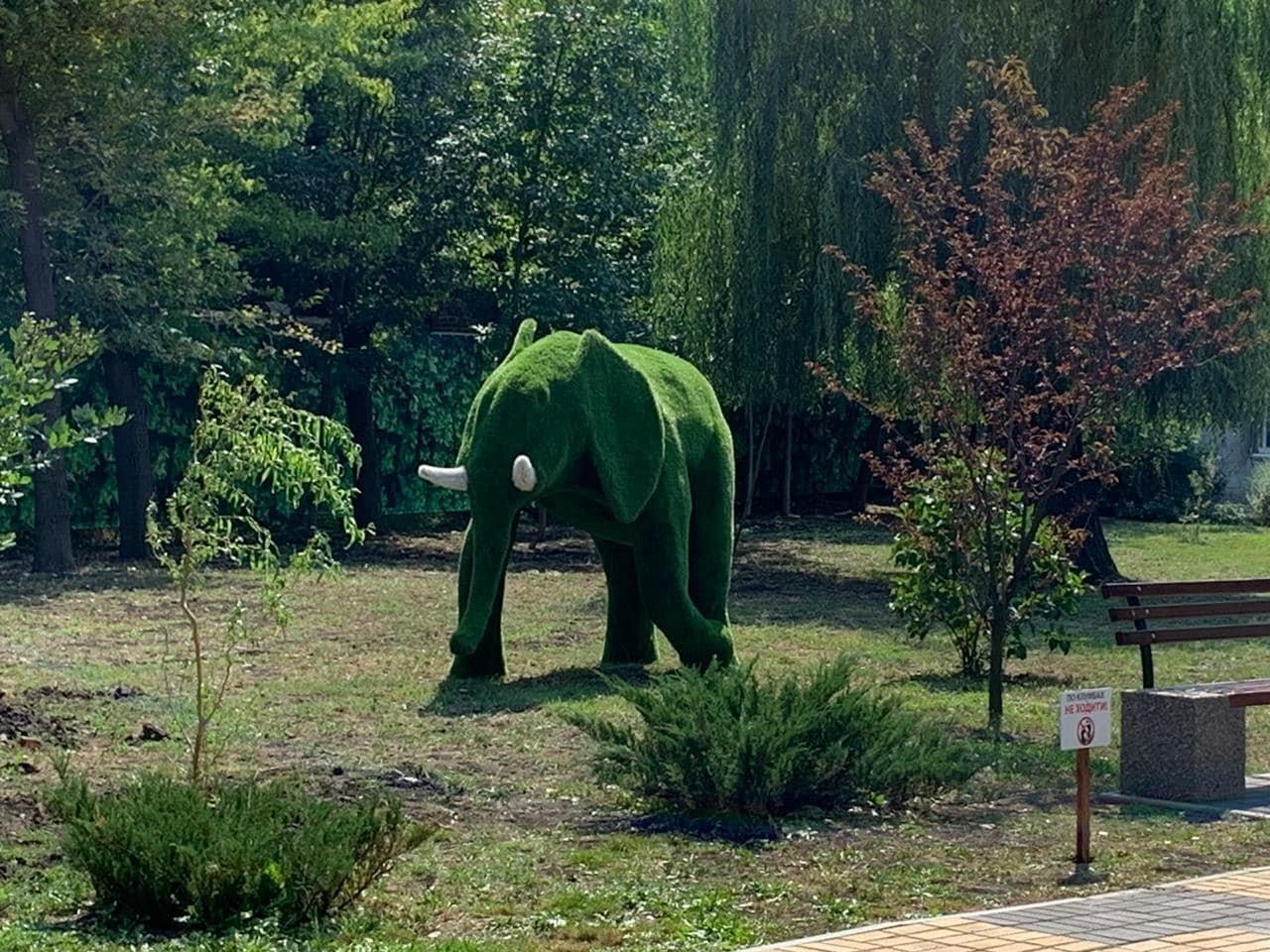 У парку Шовковичному з'являються фігури у вигляді тварин (фотофакт), фото-1