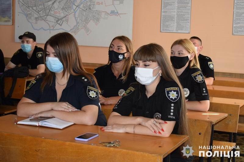 На службу до поліції Слов'янська в цьому році заступили 16 молодих спеціалістів , фото-1