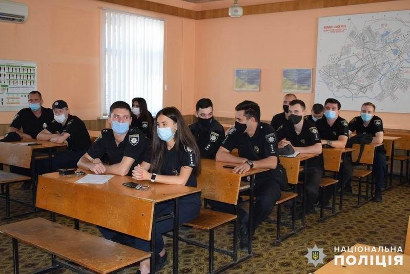 На службу до поліції Слов'янська в цьому році заступили 16 молодих спеціалістів , фото-2