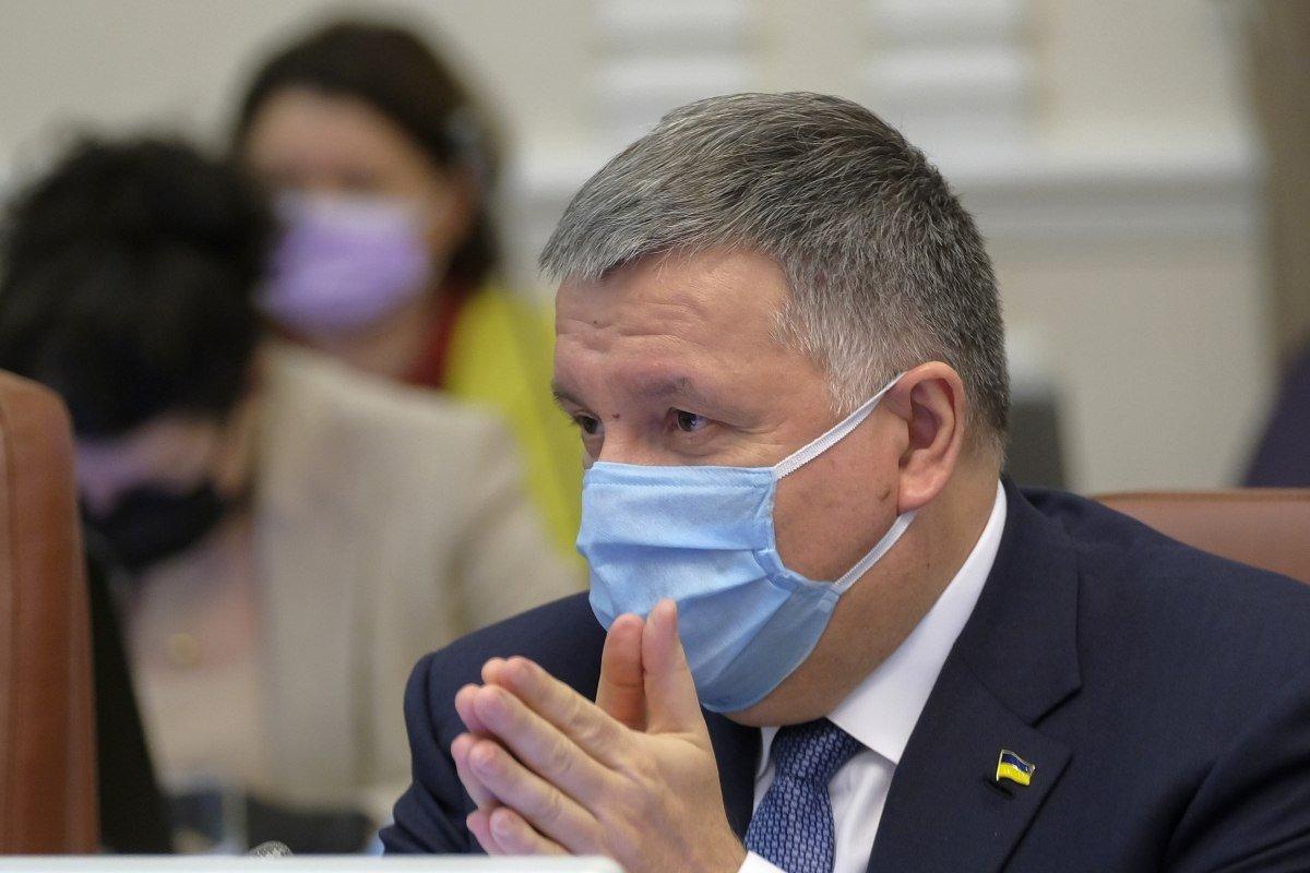 В Україні хочуть розширити використання електрошокерів поліцією, фото-1