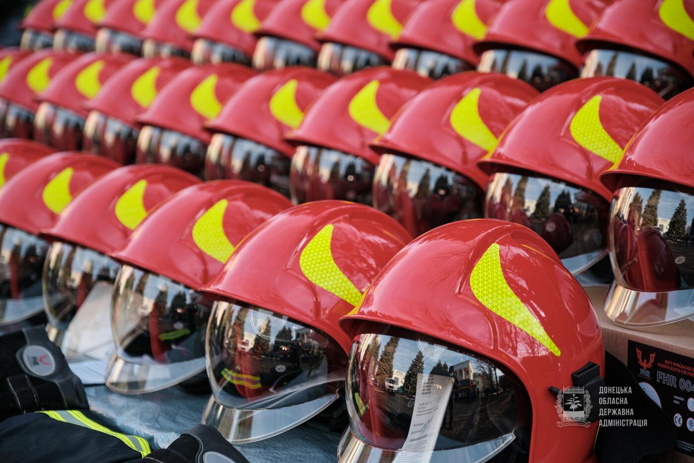 Слов'янські рятувальники отримали нову пожежну автоцистерну, фото-8