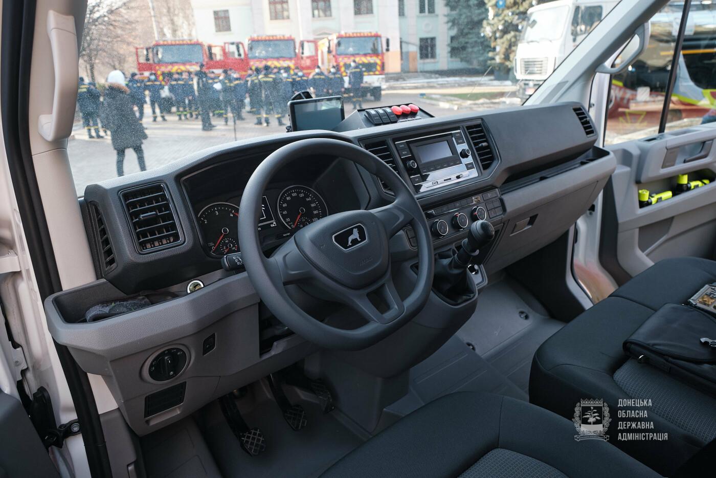 Слов'янські рятувальники отримали нову пожежну автоцистерну, фото-9