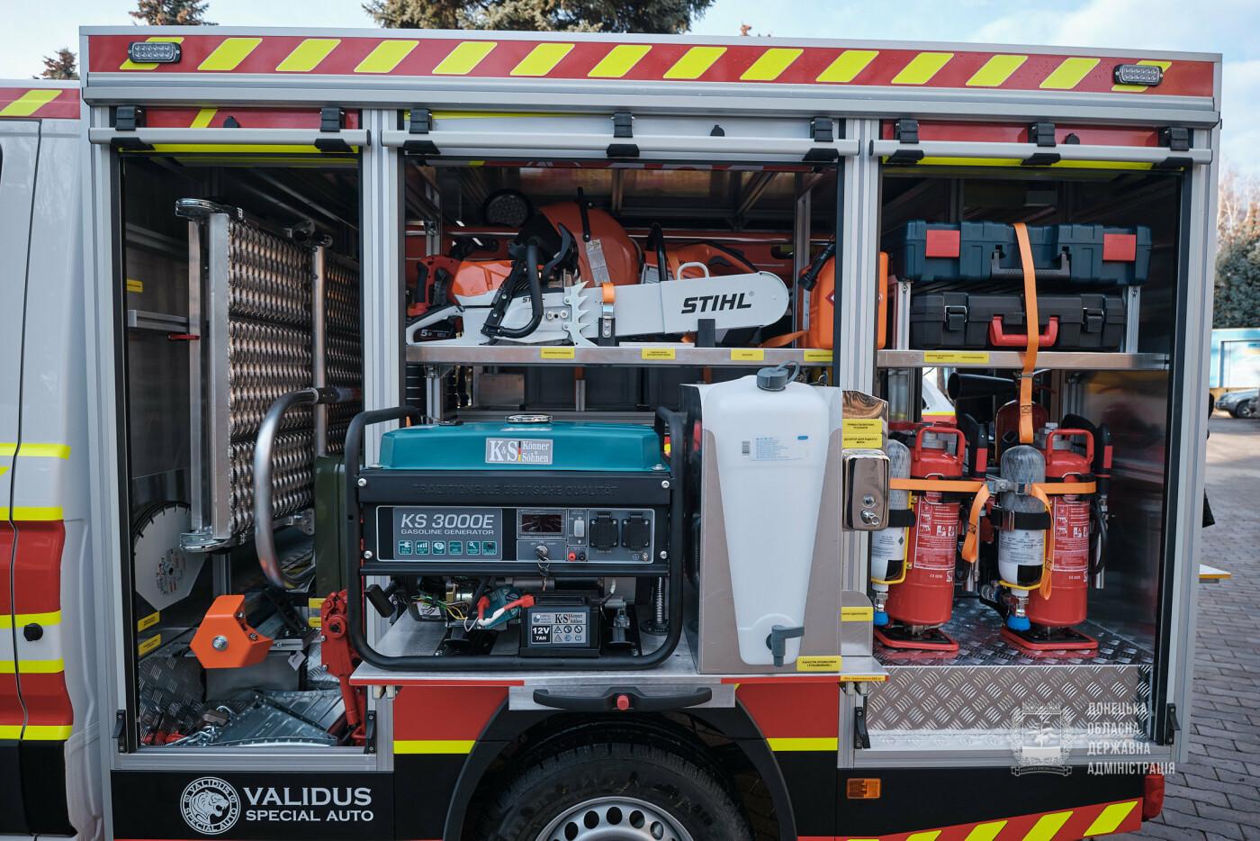 Слов'янські рятувальники отримали нову пожежну автоцистерну, фото-10