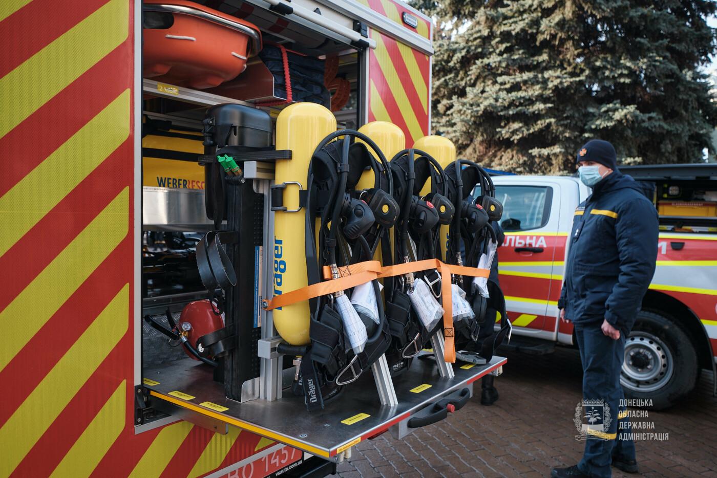 Слов'янські рятувальники отримали нову пожежну автоцистерну, фото-12