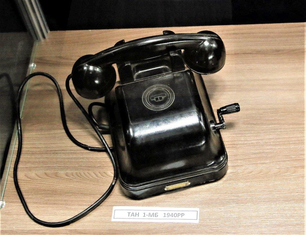 У Слов'янському музеї працює виставка старих та раритетних телефонів, фото-1