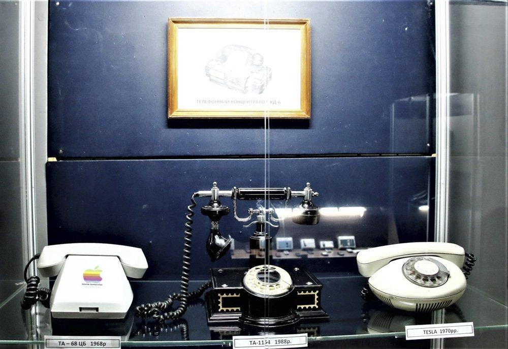У Слов'янському музеї працює виставка старих та раритетних телефонів, фото-3