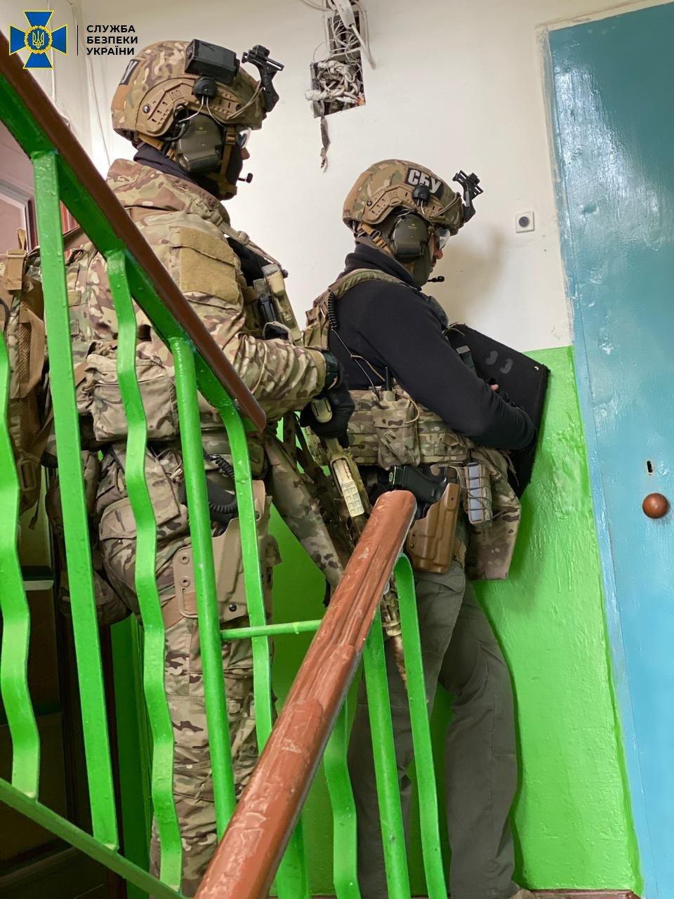 У сусідньому Краматорську у наркоторговців вилучили 5 кг психотропів, фото-3