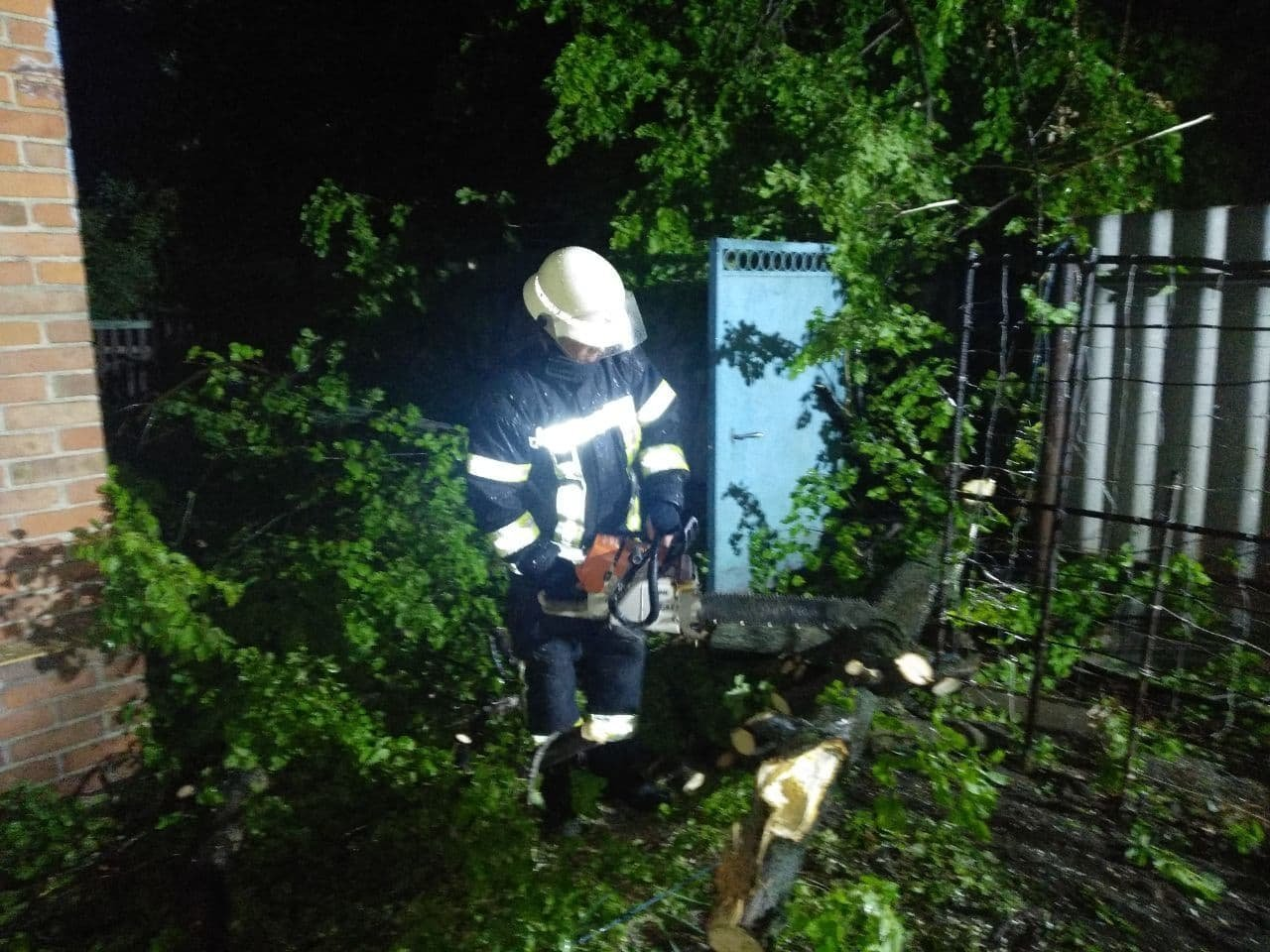 Негода, смертельна ДТП та потонулий хлопчик - що сталося у Слов'янську за тиждень, фото-3