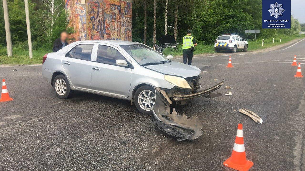 BMW у кюветі, а Geely відірвало передню частину. ДТП під Слов'янськом, фото-4