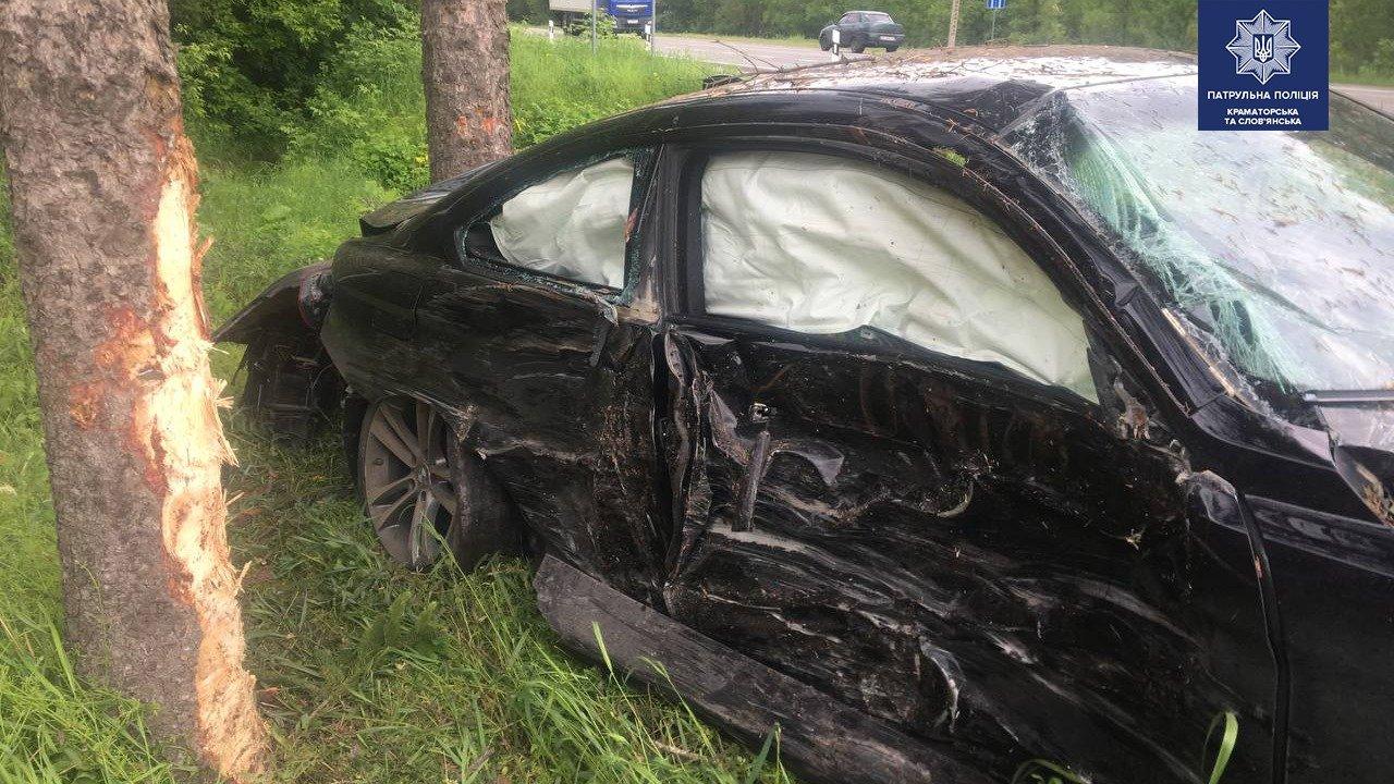 BMW у кюветі, а Geely відірвало передню частину. ДТП під Слов'янськом, фото-2